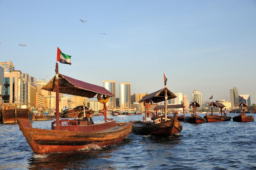 (Dubai Creek na região de Deira)